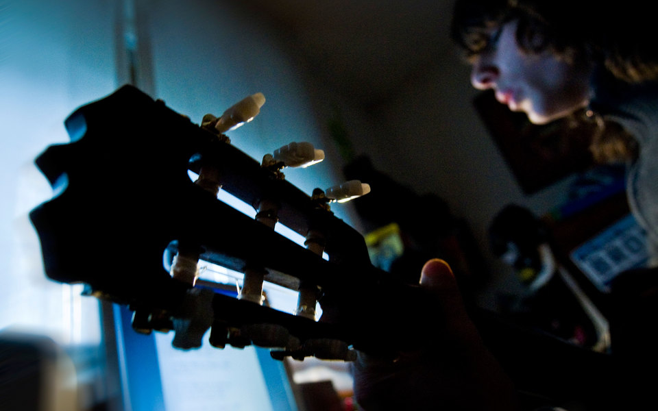 «Не выходя из дома»: музыканты, у которых из-за пандемии отменились концерты, записали альбом