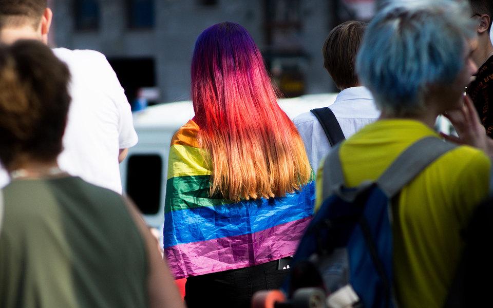 В России трансгендерная женщина отсудила 2 миллиона рублей у работодателя за увольнение после смены пола в документах