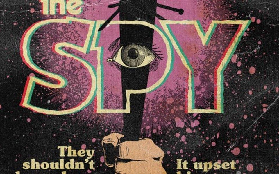 Художник изобразил эпизоды «Очень странных дел» ввиде состаренных книжных обложек