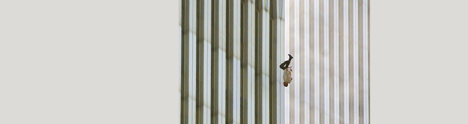 Памяти 11 сентября: очерк «Падающий человек» осамом известном снимке теракта вбашнях-близнецах вНью-Йорке