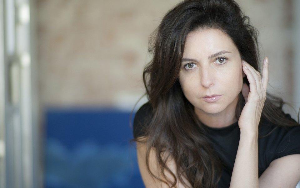 Алиса Хазанова: «Все люди несовершенны, все разные ивсе отчего-то страдают»
