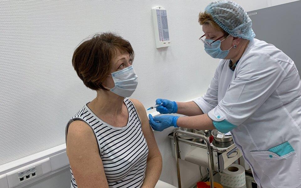 Госдума одобрила внесение вакцинации от Covid-19 в национальный календарь прививок