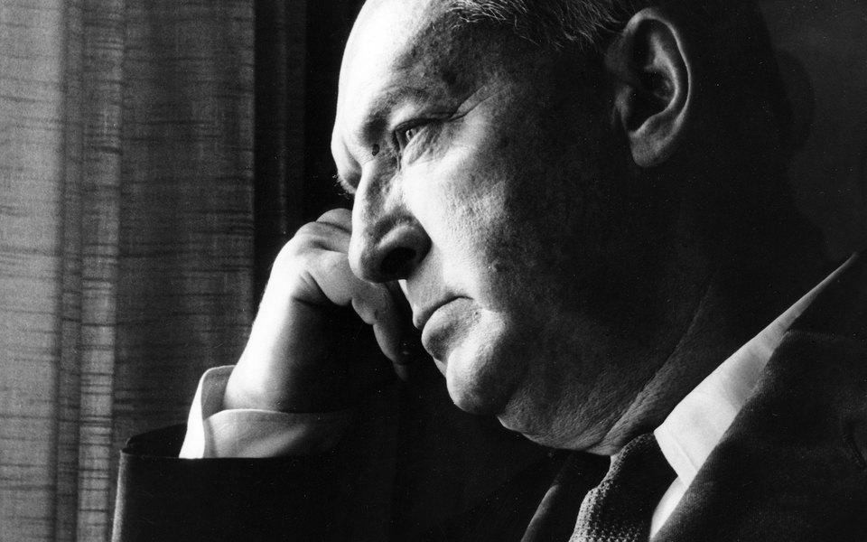 Коллекцию личных вещей Владимира Набокова передадут российскому музею