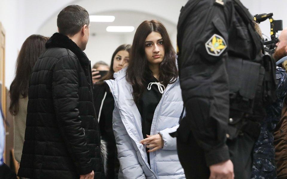 СК завершил расследование дела сестер Хачатурян. Их страдания отдействий отца признаны смягчающим обстоятельством