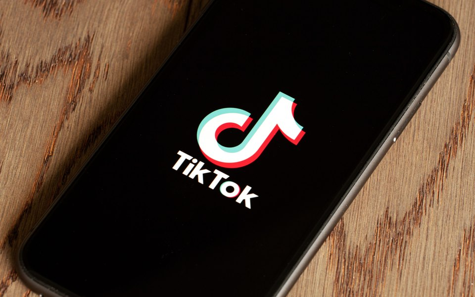 В TikTok запустили скандальный флешмоб: пользователи обращаются к зрителям от имени погибших жертв холокоста