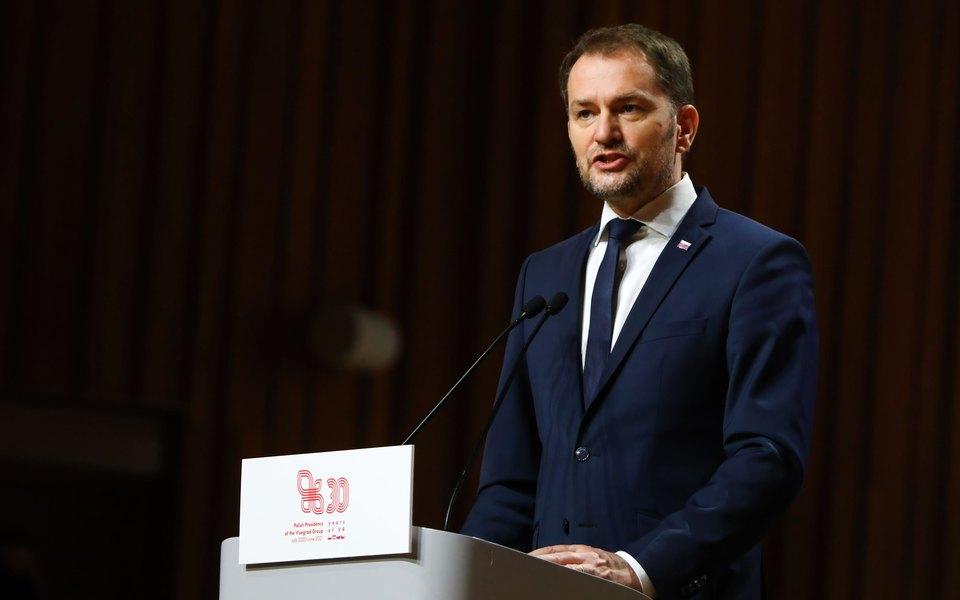 Премьер Словакии ушел в отставку из-за российской вакцины «Спутник V»