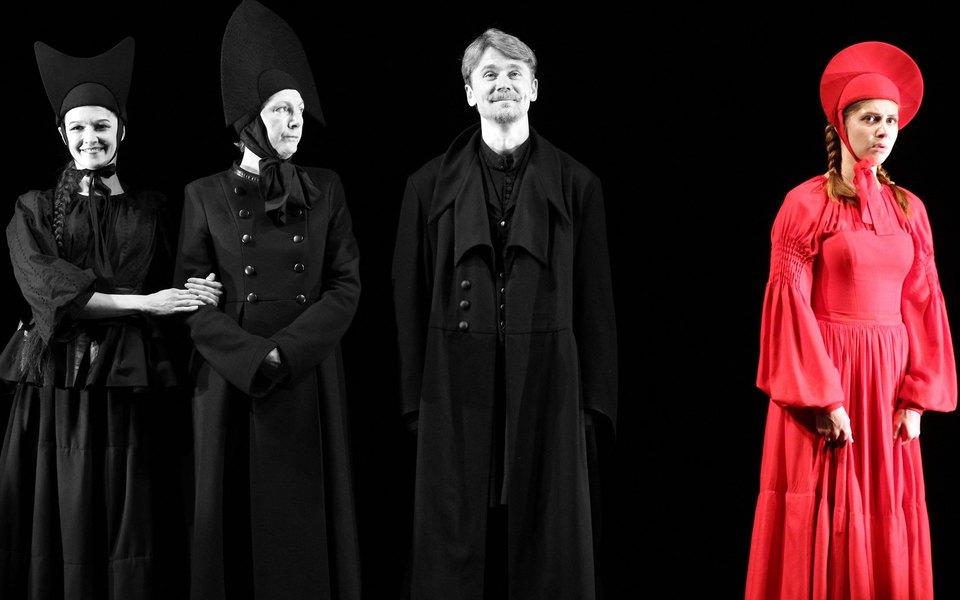 4 спектакля «Золотой Маски», ради которых стоит открыть длясебя театральный туризм