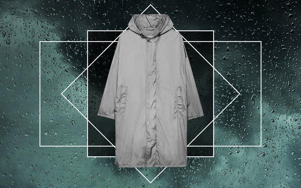 Как выбрать идеальный дождевик: 5 правил (и 10 вариантов непромокаемых курток)