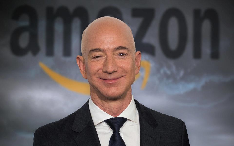 Состояние Джеффа Безоса увеличилось более чем на$10 миллиардов после ухода споста гендиректора Amazon