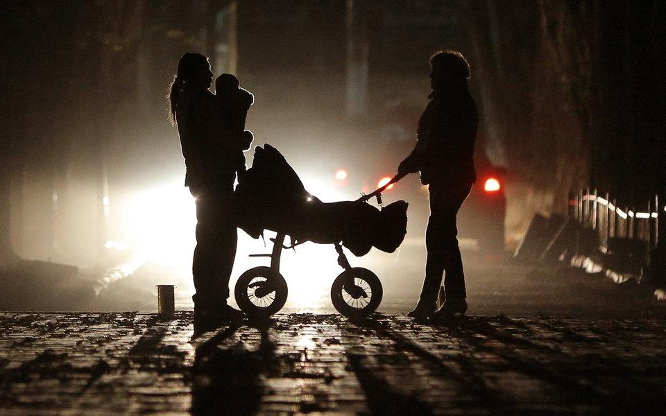 В Санкт-Петербурге хотят лишить родительских прав женщину сВИЧ. Она отказалась отлечения икормила ребенка грудью