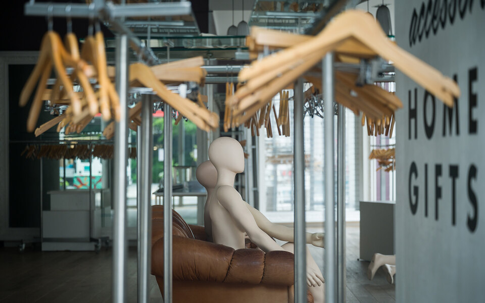 Цифровая реальность иборьба срасизмом: главные модные итоги 2020-го