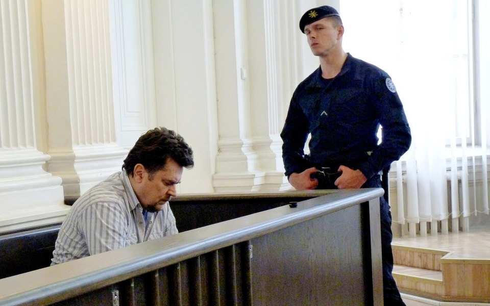 Житель Литвы получил отGoogle иFacebook более $120 млн спомощью поддельных счетов. Он признал вину