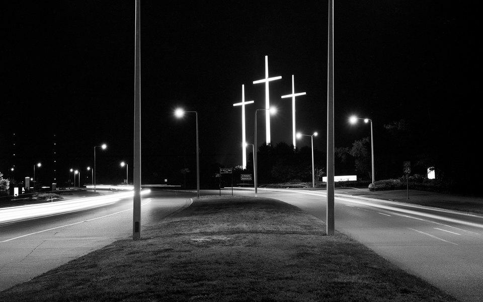Кристофер Хитченс отом, почему религия — зло