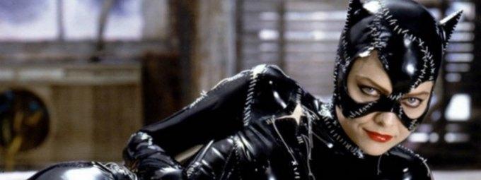 После успеха «Джокера» сХоакином Фениксом активно стали распространяться новости оновом «Бэтмене» вместе сРобертом Паттинсоном. Также стало известно, что вэтом фильме появится женщина-кошка. Какую актрису утвердили наэту роль?
