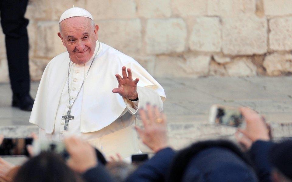 У папы римского не подтвердился коронавирус
