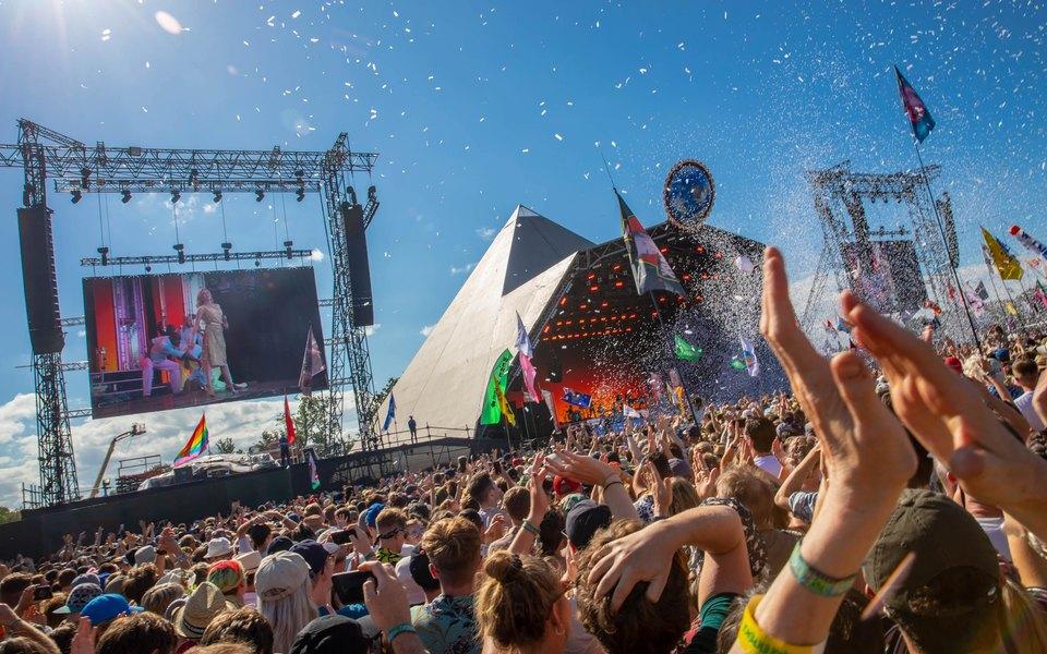 В Великобритании второй год подряд отменили фестиваль «Гластонбери»