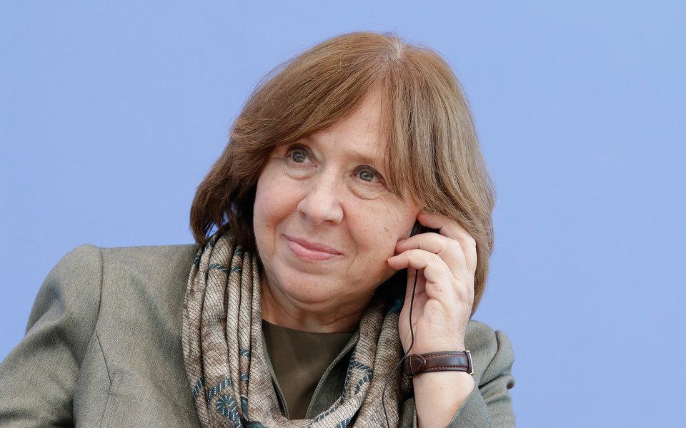 «Уйди, пока непоздно»: лауреат Нобелевской премии Светлана Алексиевич обратилась кЛукашенко