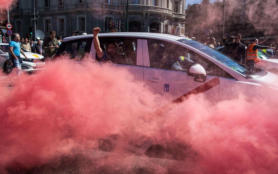 5 скандалов вокруг Uber, которые привели котставке основателя компании