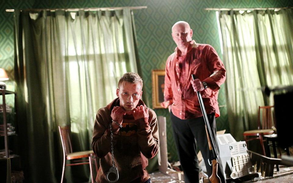 «Папа, сдохни» — российский фильм вдухе Тарантино, который хвалят наЗападе, но незамечают дома. Рассказываем, чем он хорош