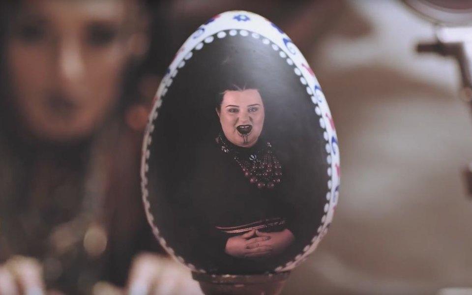 Украинские рэперши Alyona Alyona иAlina Pash выпустили клип натрек «Падло»