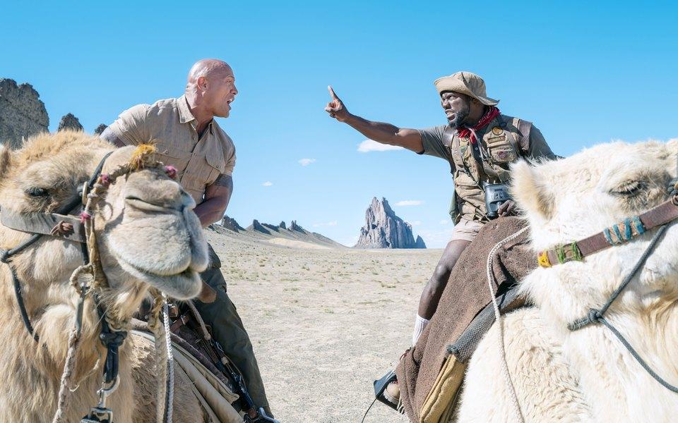 «Джуманджи: Новый уровень» — самый смешной исамый семейный фильм этого декабря. Да еще ис Дуэйном Джонсоном, Дэнни ДеВито иАквафиной!