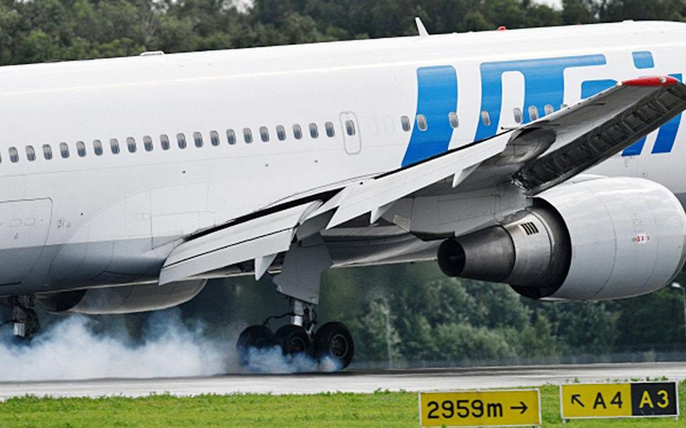 Самолет Utair вернулся во Внуково из-за попадания встаю птиц
