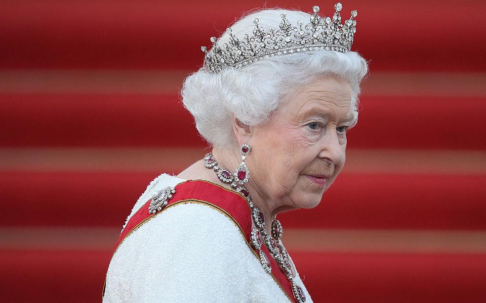 Елизавета II заявила о«полной поддержке» желания принца Гарри иМеган Маркл начать новую жизнь