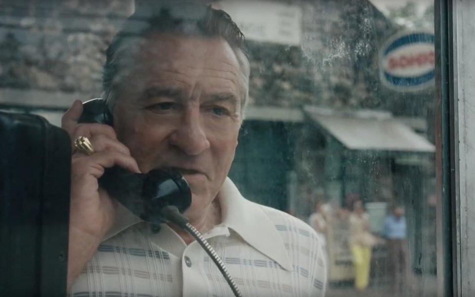 Помолодевший Роберт Де Ниро вновь играет гангстера втрейлере нового фильма Мартина Скорсезе «Ирландец»