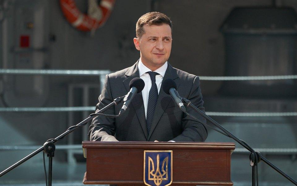 «У нас есть свой новый Берлин, своя Венеция, свои Мальдивы»: Зеленский вчесть Дня независимости Украины записал видеообращение наанглийском языке