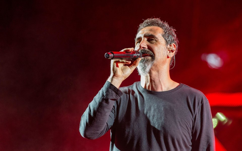 Фронтмен System of a Down Серж Танкян выпустил мини-альбом Elasticity