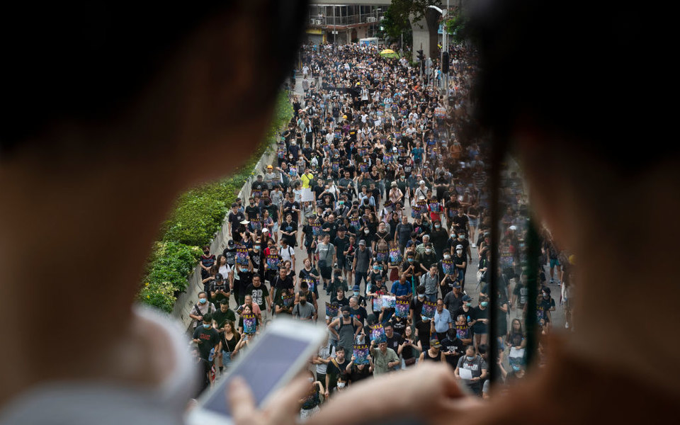 Twitter обвинил Китай винформационной кампании против протестов вГонконге изапретил размещать рекламу государственных СМИ