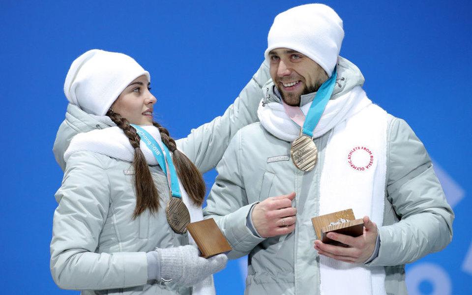 Российских керлингистов лишили олимпийской бронзы