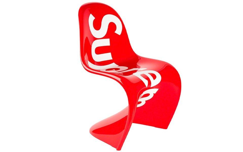 Supreme имебельная компания Vitra вместе выпустили культовое кресло Panton Chair