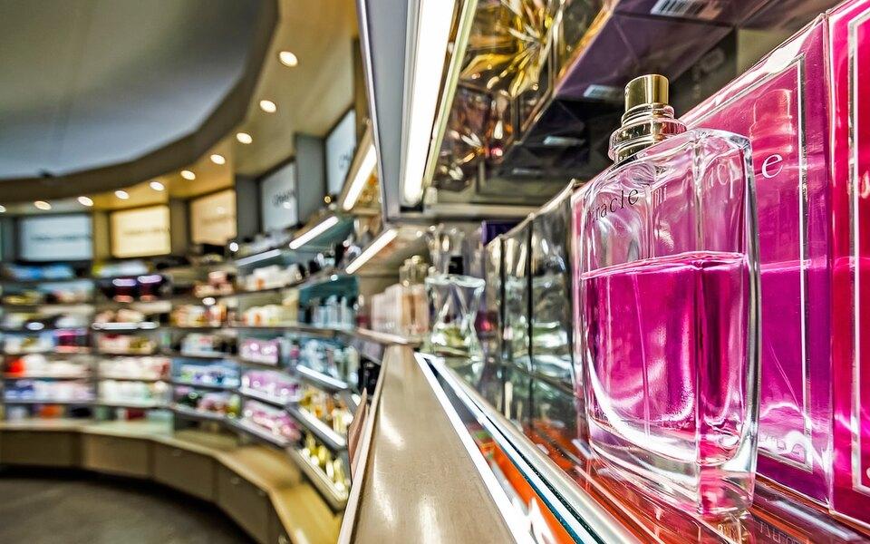 Исследование: оборот поддельной косметики ипарфюма превышает 10 миллиардов рублей