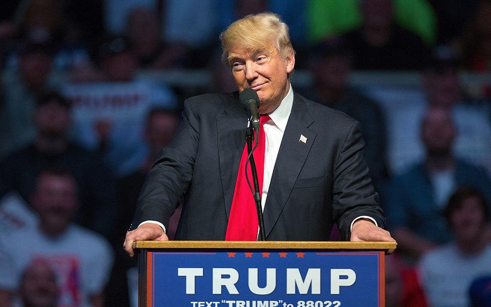 «Они лучше, чем убольшинства моих друзей моего возраста»: Дональд Трамп ответил тем, кто постоянно критикует его волосы