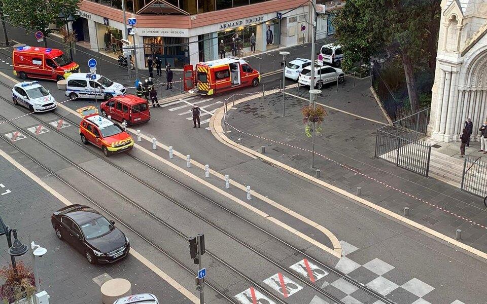 Нападение в Ницце. Террорист в церкви обезглавил женщину