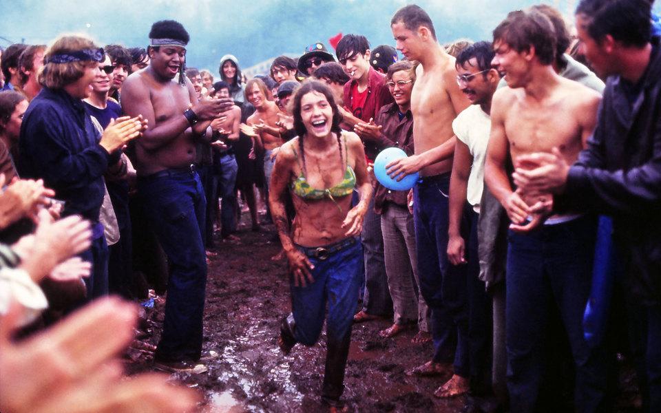 Фестиваль, определивший эпоху: как «Вудсток» стал символом мира илюбви (и почему он никогда неповторится)
