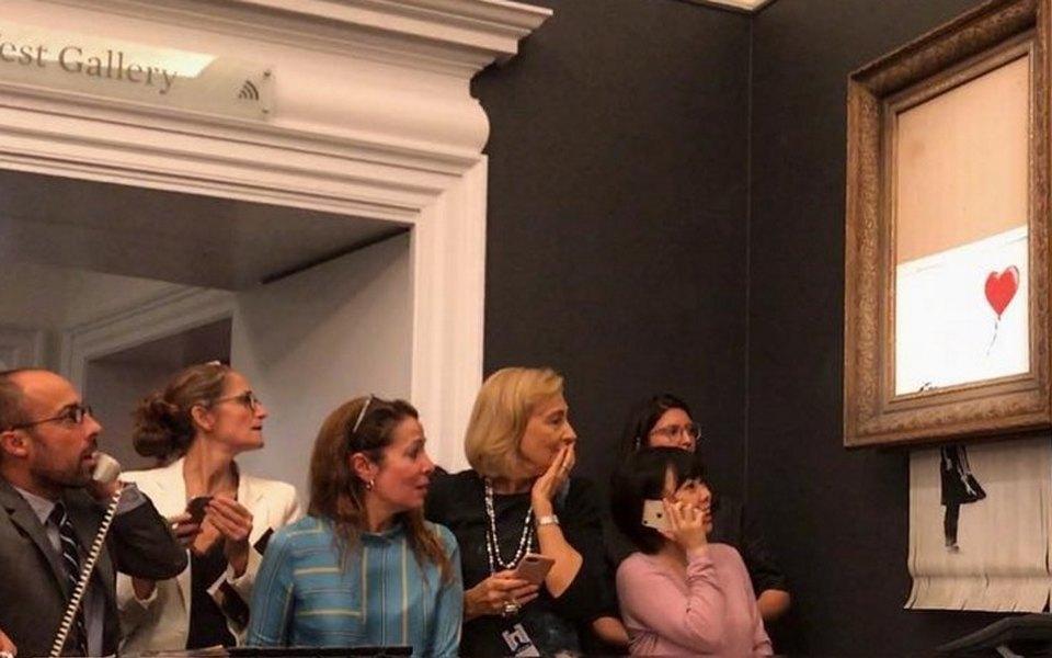 Картину Бэнкси «Девочка сшаром» выставили внемецком музее