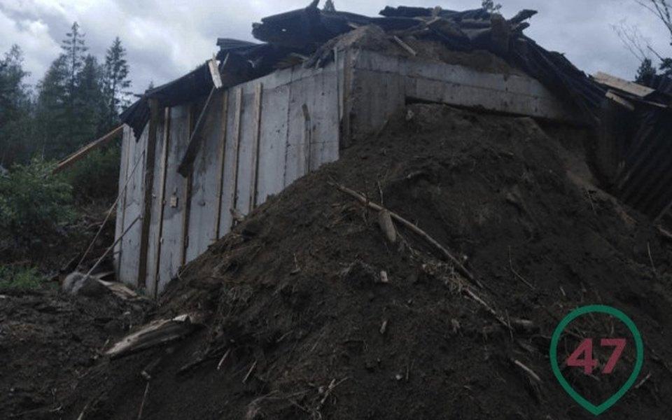 «Прошу уничтожить»: подПетербургом попросьбе владельца снесли дом с«частной тюрьмой»