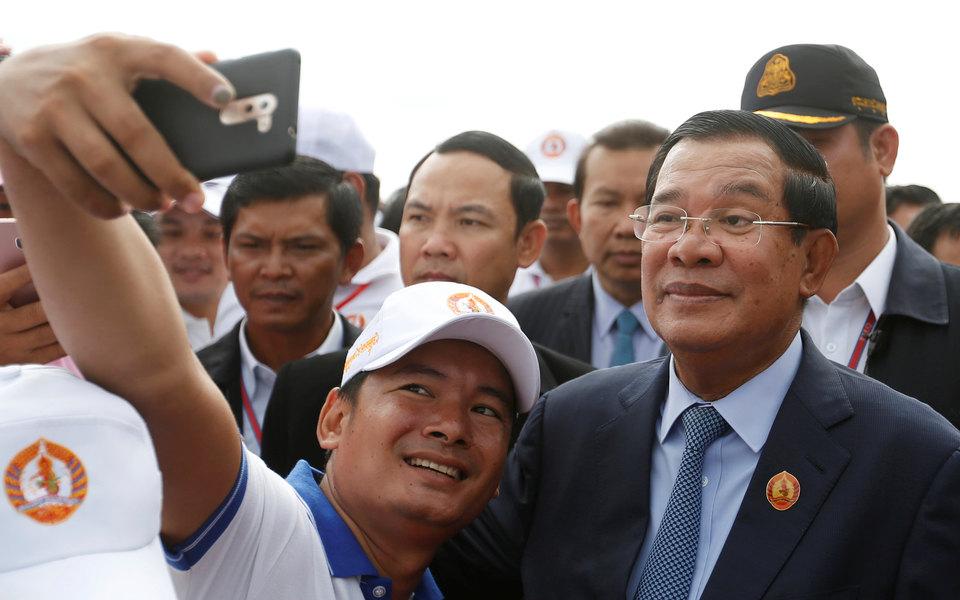Как Facebook дал камбоджийцам надежду надемократию, а потом разрушил ее