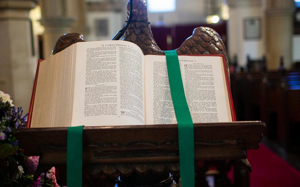 Католическую церковь Англии обвинили в том, что она покрывает домогательства к несовершеннолетним со стороны священников