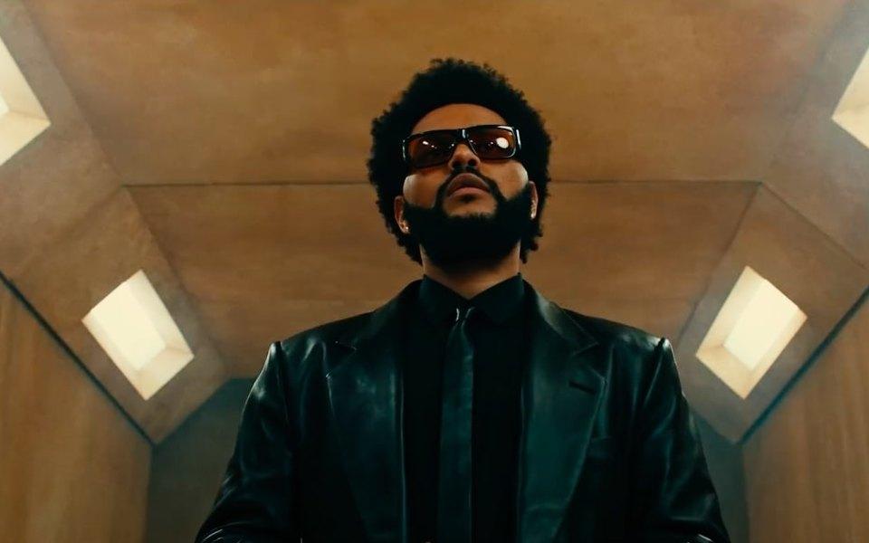 The Weeknd выпустил трек Take My Breath иклип нанего. Вролике зашкаливает датчик срусским словом «опасность»