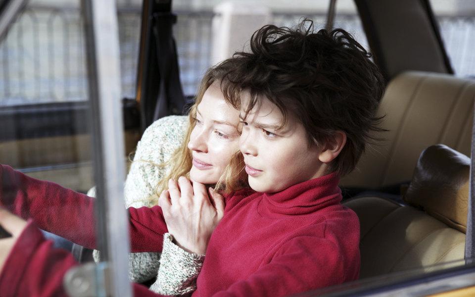 Парное интервью: Светлана Ходченкова иАртем Быстров отвечают на10 вопросов оботношениях, детстве исемье
