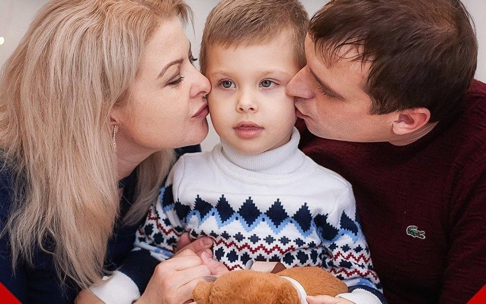 Трехлетнему мальчику собрали более 168 миллионов на лечение спинальной мышечной атрофии