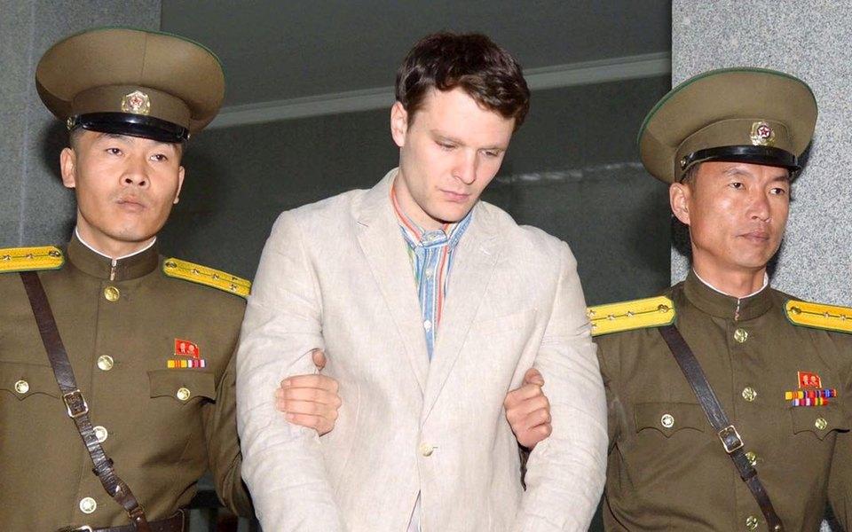Опубликованы фотографии Отто Вомбиера сканикул вСеверной Корее, сделанные незадолго доего ареста