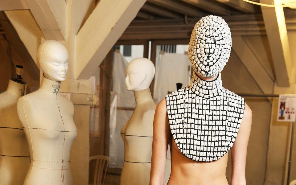 Не панацея: что нетак сдизайнерскими защитными масками (и почему мы все равно можем их носить)