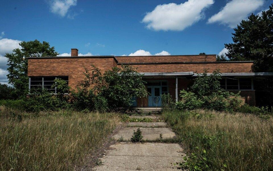 В США заброшенную полицейскую академию продали ферме конопли