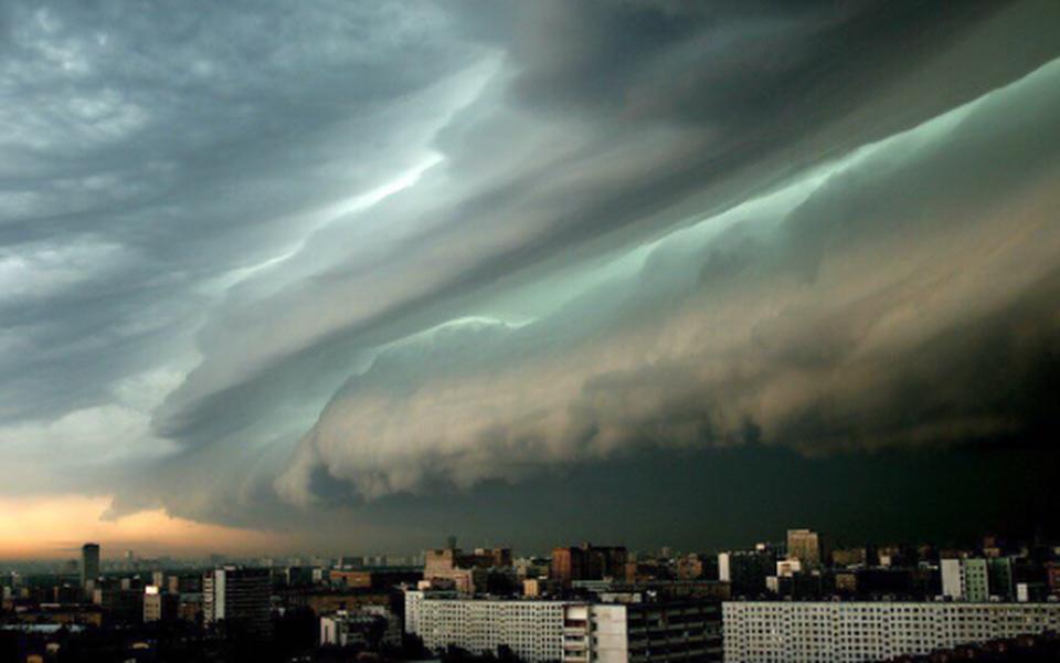 Штормовой удар поМоскве: фото ивидео
