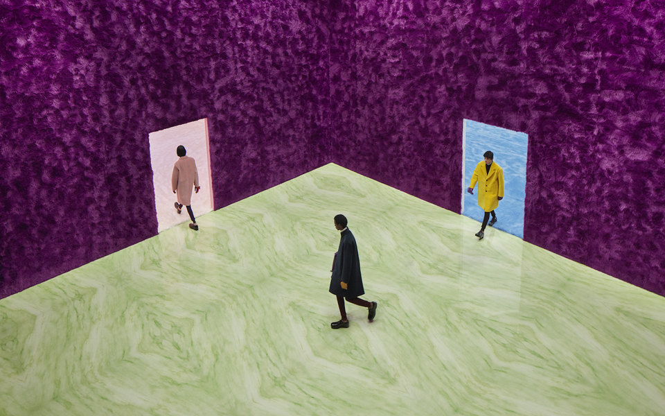 «Вы должны понять, кто вы, — итогда вопрос выбора одежды станет очень простым»: очем говорили Раф Симонс иМиучча Прада после мужского показа Prada