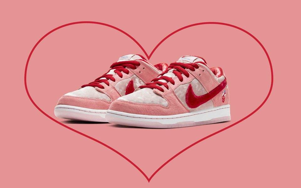 Кроссовки дня: новые Nike (из бархата!) ко Дню святого Валентина